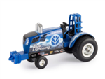 1:64 New Holland T8 Pulling Tractor - Blue Lightning