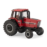 1/64 International Harvester 3688 Cab