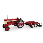 1:16 Farmall 560 with Disk